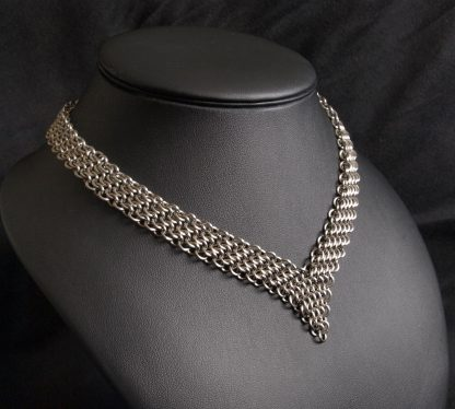 V-shaped surgical steel fantasy chainmaille necklace Lukas Craft